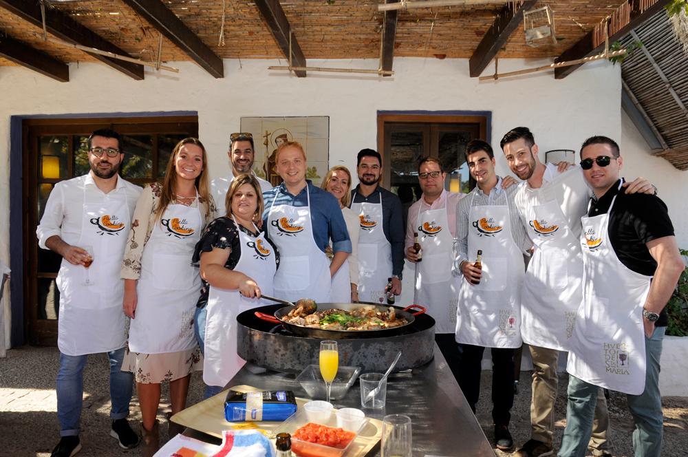 Actividad Paella Valenciana, Actividad para empresas, Eventos para Empresas, Paella Cooking.